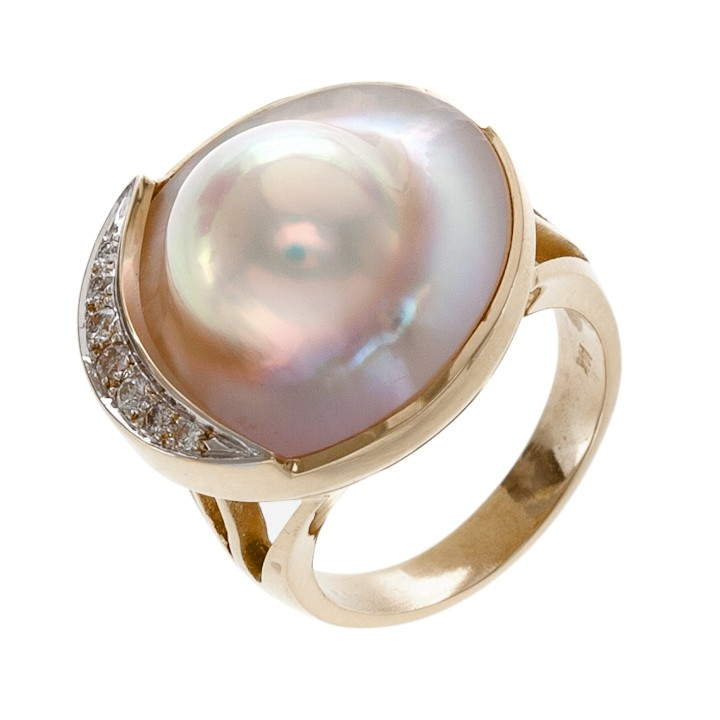 Mabe Blister Pearl Ring With Diamonds